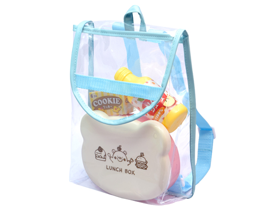 3.かわいいクリアのバッグでおでかけ♪